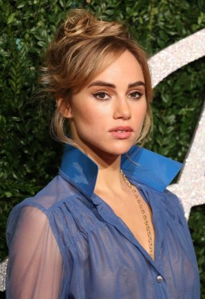 suki-waterhouse-british-fashion-awards-2014-01